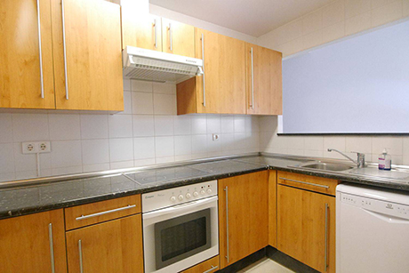 kitchen image apartment in reserva del higueron benalmadena