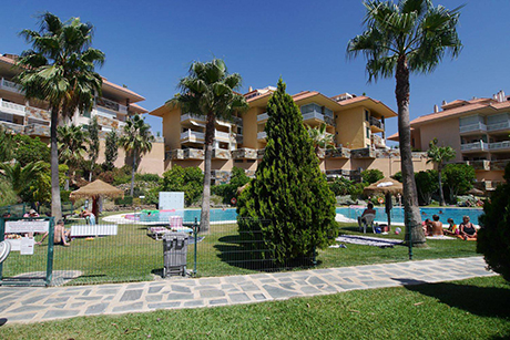 swimming pool image apartment in reserva del higueron benalmadena
