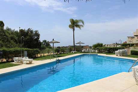 Townhouse-for-sale-cabopino-costa-del-sol-pool