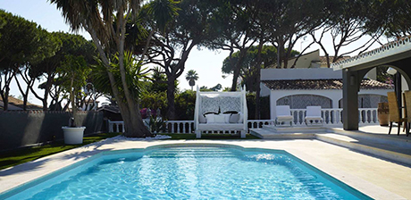 swimming pool image detached beachside villa in Cabopino