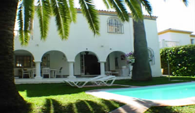 low priced villa nueva andalucia