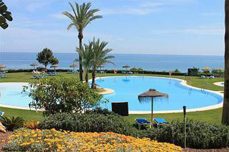Spacious 4 bed 4 bath luxury ground floor apartment | Granados de cabopino views to pool