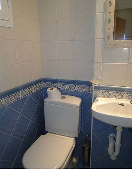 image of bathroom house in Cabopino for sale