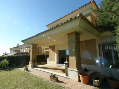 For Sale Villa Reduced Price On The Golf Course