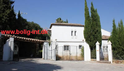 buy villa direct from the bank spain - distressed property spain
