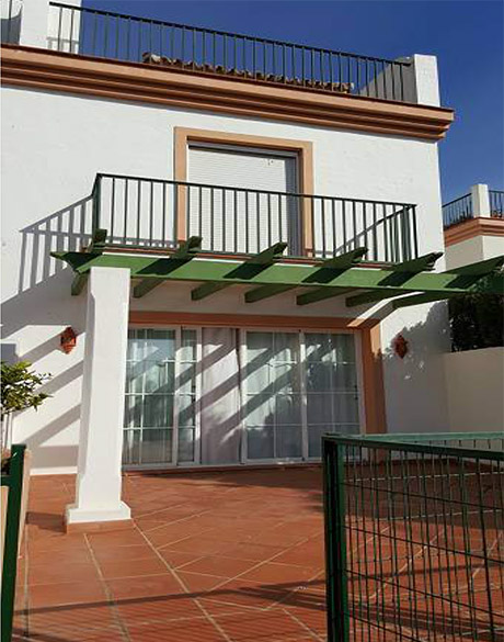 Lomas de cabopino | Beautiful townhouse with sea views for sale outside