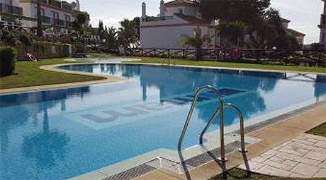 Lomas de cabopino | Beautiful townhouse with sea views for sale swimming pool