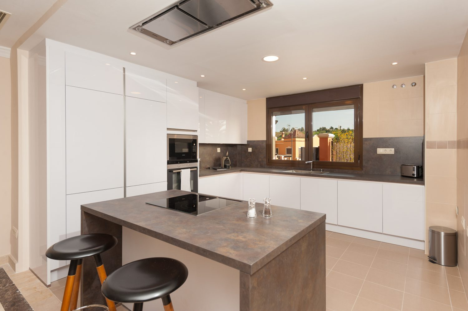 kitchen image  new golf villas near Marbella