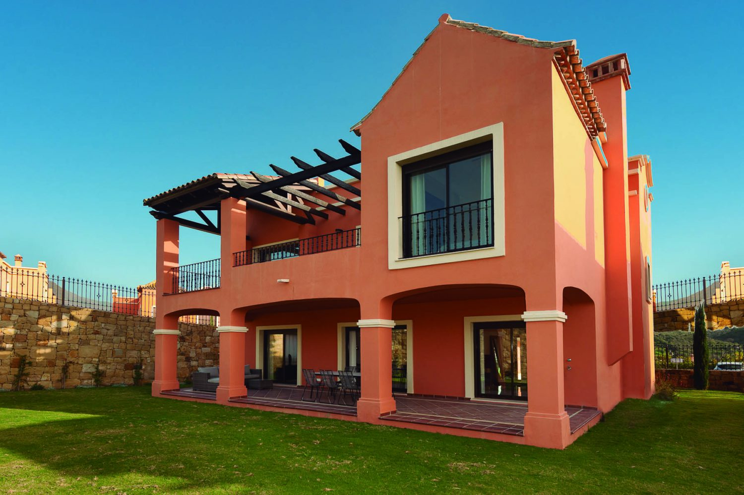 outside pic  new golf villas near Marbella