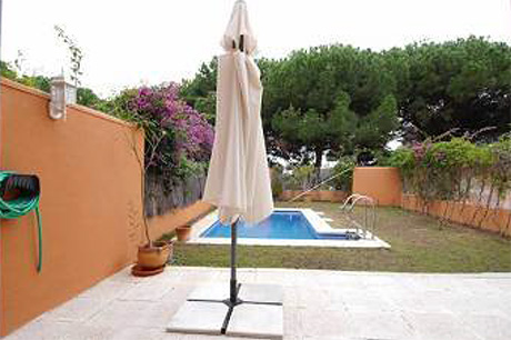 Ground Floor Apartment for sale Saint Andrews | Cabopino Marbella garden view