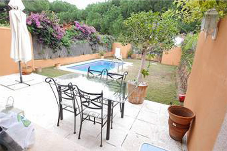 Ground Floor Apartment for sale Saint Andrews | Cabopino Marbella view to pool