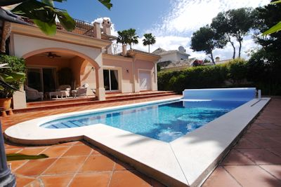 villa for sale elviria - distressed property spain